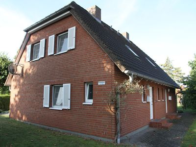 Photo for Family-friendly semi-detached house in a central location in Zingst
