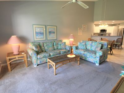 Beautiful golf course view! Isla Del Sol Vista Verde East 2nd floor King Bed NEW Kitchen WIFI
