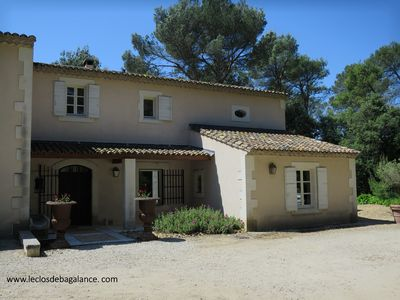 Photo for Splendid Provencal farmhouse, private pool, open garden for 8 people
