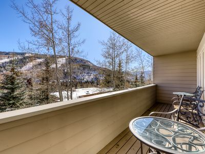Photo for Mountain condo w/private balcony, amazing mountain views & shared pool & hot tub