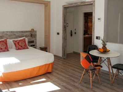 Photo for Apartment MEY in Barcelona - 4 persons, 1 bedrooms