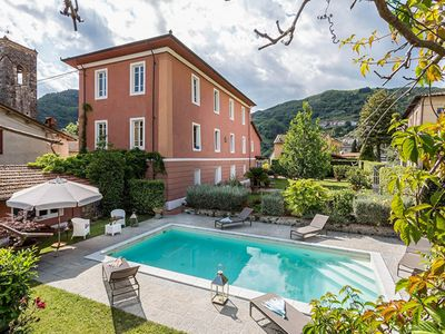 Photo for Stunning private villa with private pool, WIFI, TV, veranda and pets allowed, close to Lucca