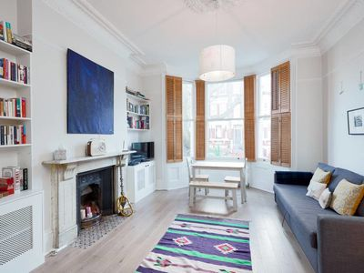 Photo for Charming 1 bed in Maida Vale sleeps 4
