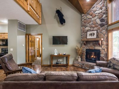 Photo for 7 Master Suites, swimming pool, pool table  Sleeps 24