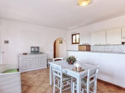 Photo for Spacious apartment with roof terrace and sea view - Appartamento Elba 1