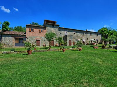 Photo for Apartment in Cortona with 9 bedrooms sleeps 18