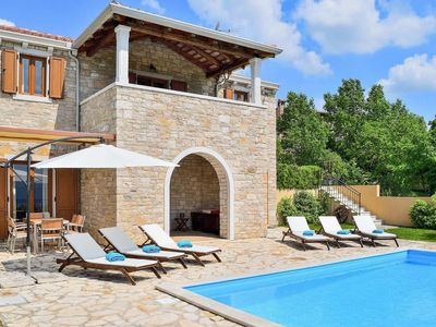 Photo for 3 bedroom Villa, sleeps 6 in Donje Baredine with Pool, Air Con and WiFi