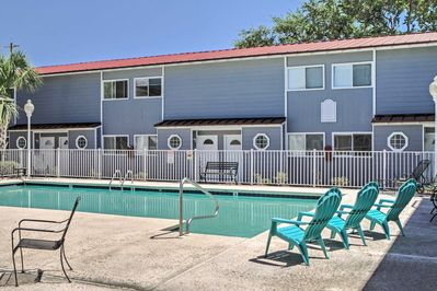 Let this outstanding Biloxi vacation rental condo serve as your home base for exploring Mississippi's Gulf Coast!