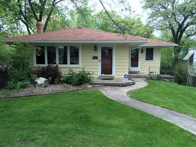 BEAUTIFUL 3 BEDROOM/2 BATH HOME 2 BLOCKS FROM LAKE MICHIGAN