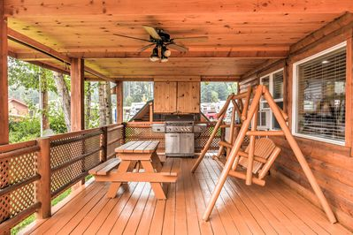 Escape the everday hustle at this vacation rental cabin by Flathead lake.