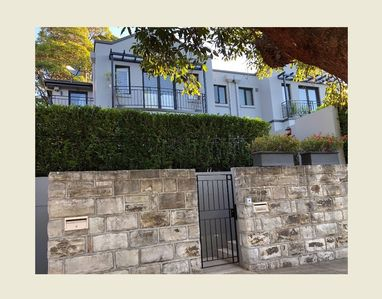 Photo for Chic Townhouse in Bellevue Hill