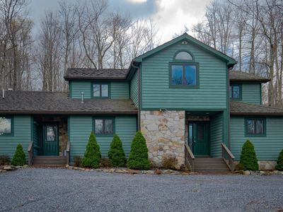 Photo for Deer Run - Great Access to Local Hiking Trails, Hot Tub, Pet Friendly, Easy Winter Access