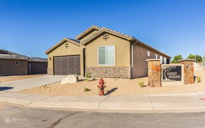 Photo for New 3 Bedroom Home near Zion Park!!