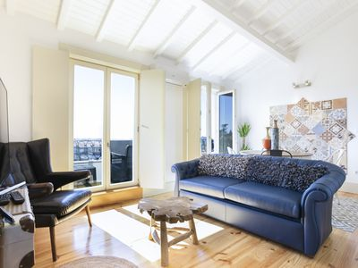 Photo for Charming Mezzanine Rooftop View