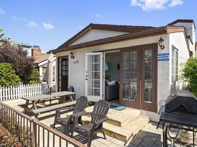 Air Conditioning! Cottage 2-blocks from Beach