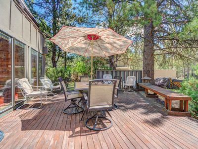 Photo for Large home with room for 10 plus an enclosed multi-level atrium & game room!