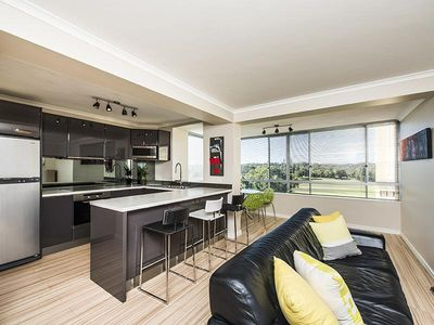 Photo for Stylish two bedroom apartment with penthouse views to the city,