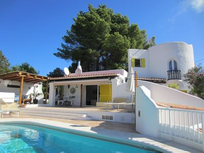 Photo for Charming villa with pool near to San Jose village