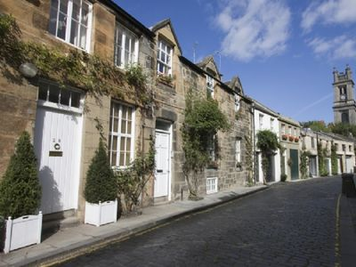 Photo for 2 Bedroom Mews for 4 in Edinburgh New Town, Car Park & Free Wifi.