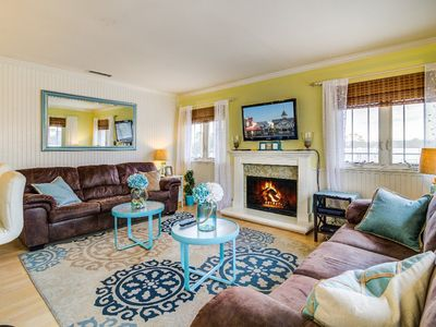 """Photo for """"Rise and Shine"""" Cool, Country Beach Pad (with AC!) Steps To Sand, Sleeps 8"""