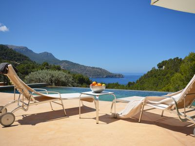 Photo for Villa with pool and spectacular views of the sea and the coast of Deia