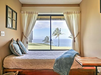 Photo for 'Sealodge' Princeville Oceanfront Condo w/ Pool!