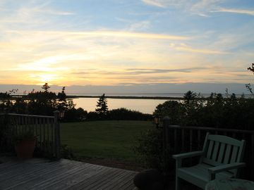 Stunning Sunsets From Oceanview Home Only 400m To 10 Km Of Sandy Beach