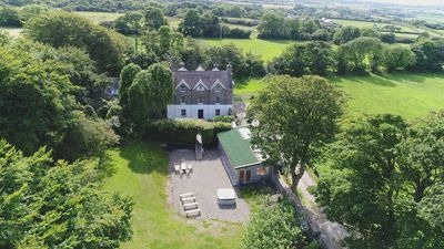 The Old Rectory with Adjoining Cottage, new huge games/function room and hot tub