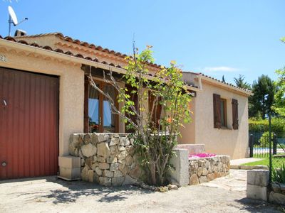 Photo for Vacation home Chalet des Roses (LMO100) in La Motte en Provence - 6 persons, 2 bedrooms