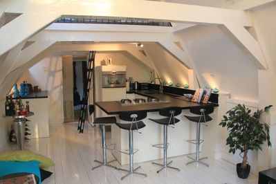 Kitchen, fully equipped and convenient for cooking a light meal or breakfast