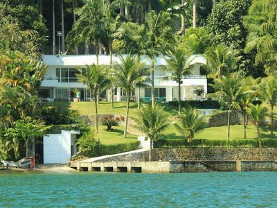 Photo for Ang019 - Magnificent beach house by the sea in Angra dos Reis