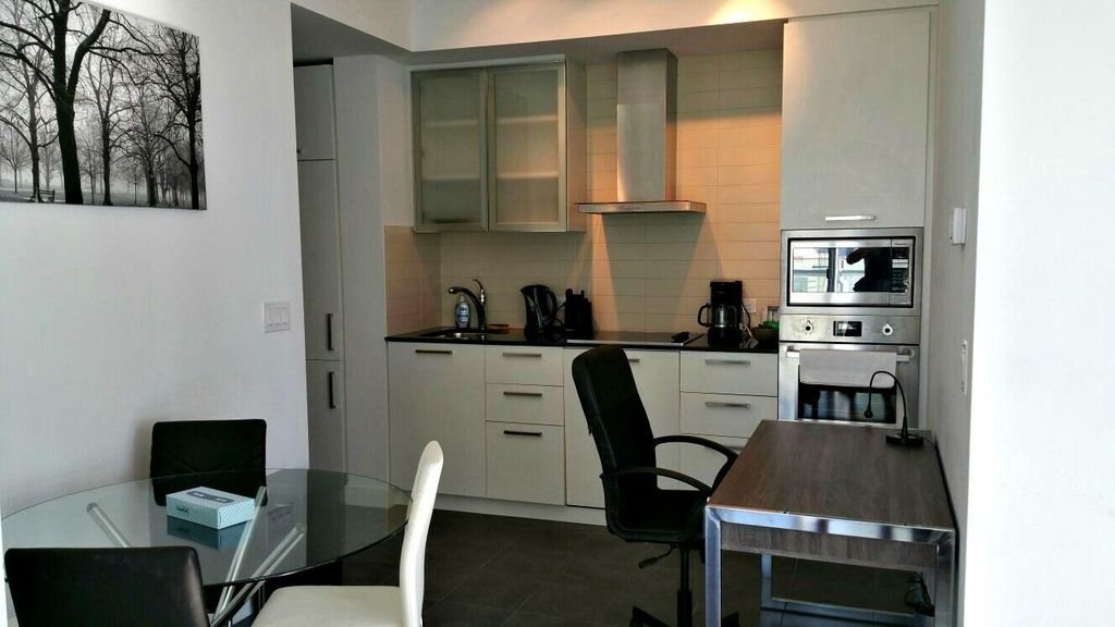Upscale 2 BR Apartment w/ Free WiFi, Complex Hot Tub & Theater Room