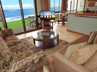 Living Area with Flatscreen TV and panoramic views