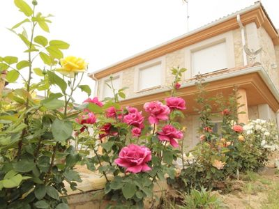 Photo for Ribera del Duero Rural Cottage for 12 people