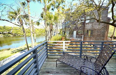 Photo for Comfy East Beach villa- lagoon views, open kitchen, porch, internet!
