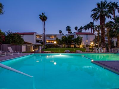 Photo for Sunshine at The Biltmore - walk to Palm Canyon Drive