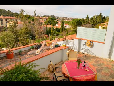 Photo for In peace, beautiful clear view 250m from beaches and shops with Wifi.