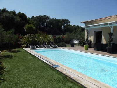 Photo for Villa 6 pers, Air-conditioned, private pool, wifi, quiet, petanque
