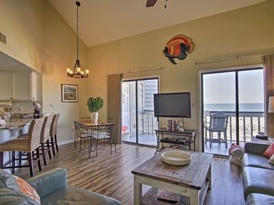 Photo for Regatta 305A - Pet Friendly! Beautiful Gulf view! Get the best Fall rates NOW!