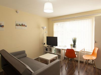 Photo for Lovely Apartment in Manchester near IWM North Park