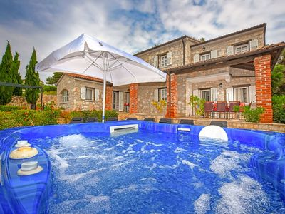 Photo for Beautiful private villa for 8 guests with hot tub, WIFI, A/C, TV and parking