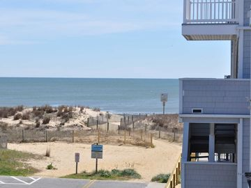 Unit 10 On Second Level Private Parking Close To Beach Linen Included