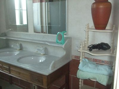 Photo for town house of 100m² bed linen and toilet provided closed courtyard: 200m²