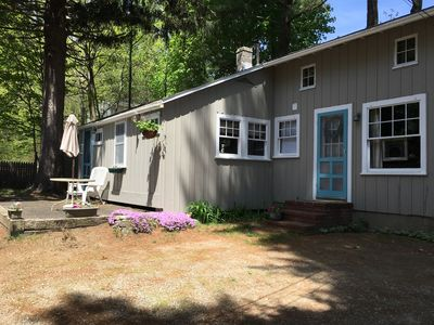 Photo for Pet Friendly! Maine cottage just 3 blocks to lovely Long Sands beach - sleeps 8