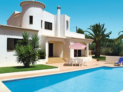 Photo for 3 bedroom Villa, sleeps 6 in Carvoeiro with Pool and WiFi