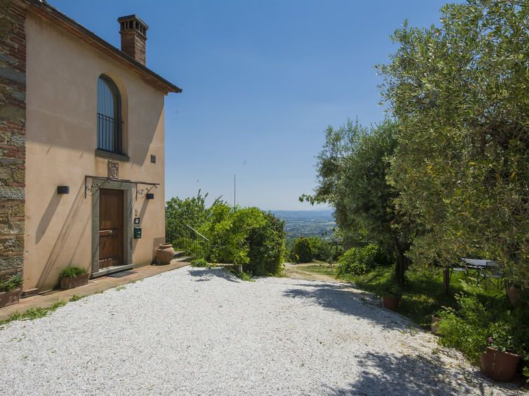 Vacation home leonardo in vinci florence countryside 2 persons 1 bedroom vinci tuscany - Vacation houses in the countryside ...