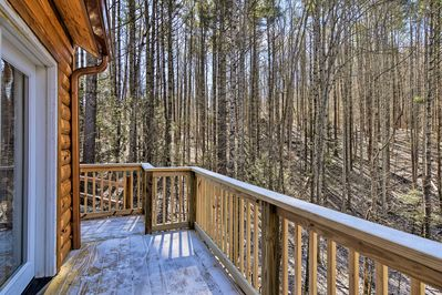 This 2-bedroom, 1-bath cabin is perfect for anyone seeking time with nature.