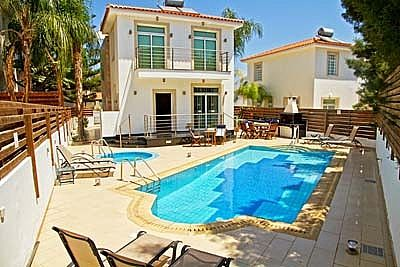 Photo for 4 Bed Villa w/Private Pool/Jacuzzi/WiFi Facilities Avail-Near Protaras Centre