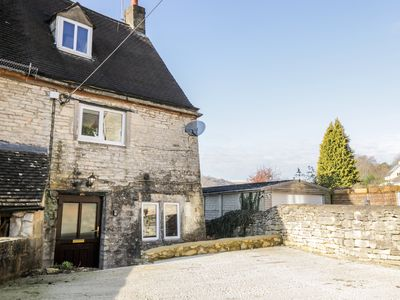 Photo for Combe Cottage, STROUD