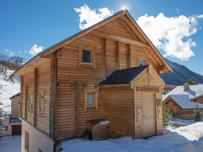 Photo for Large 5 bedroom chalet - offering great central location along Rue Chantelevent